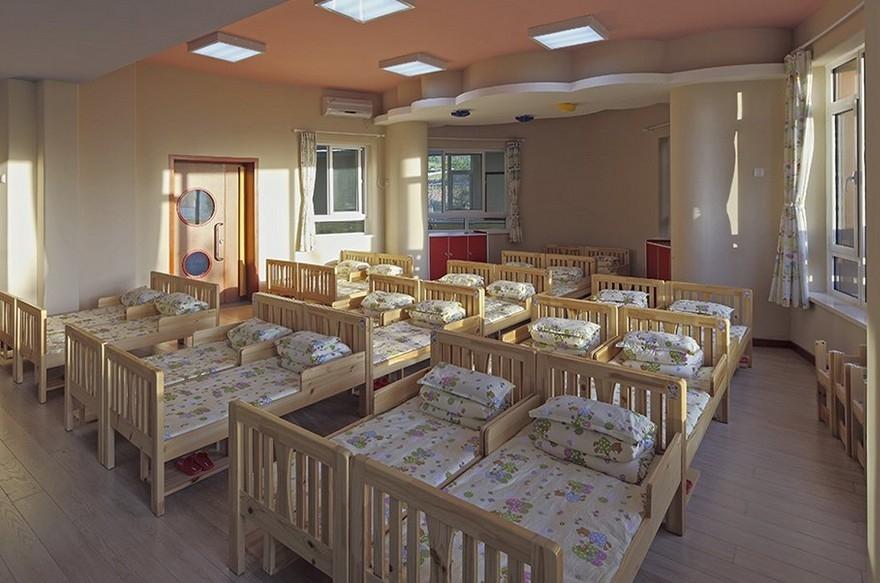 温馨的幼儿园卧室装修效果图