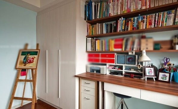 小户型现代风格书房