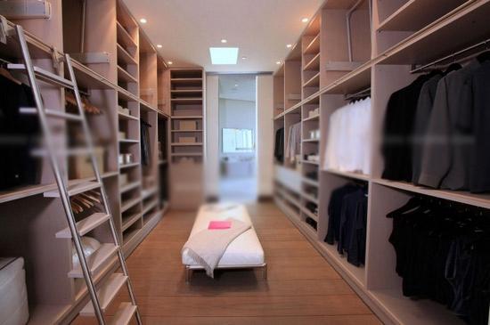 三居室现代风格衣帽间