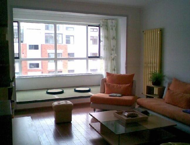 三室两厅现代风格客厅榻榻米