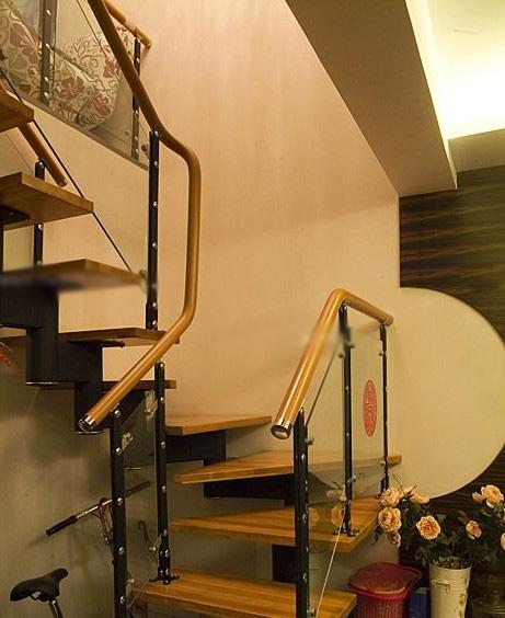 跃层楼梯图装修效果图图片