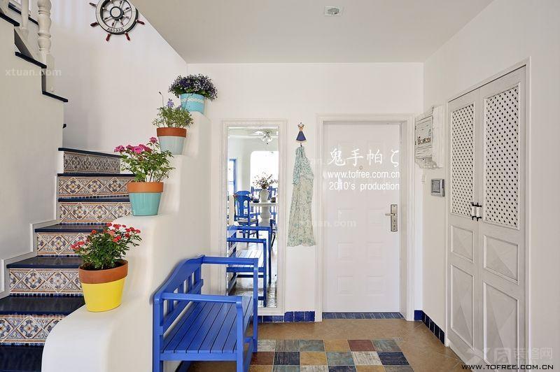 家居家装 装修详解 > 精美复式楼梯装修效果图    独具风味的复式楼梯