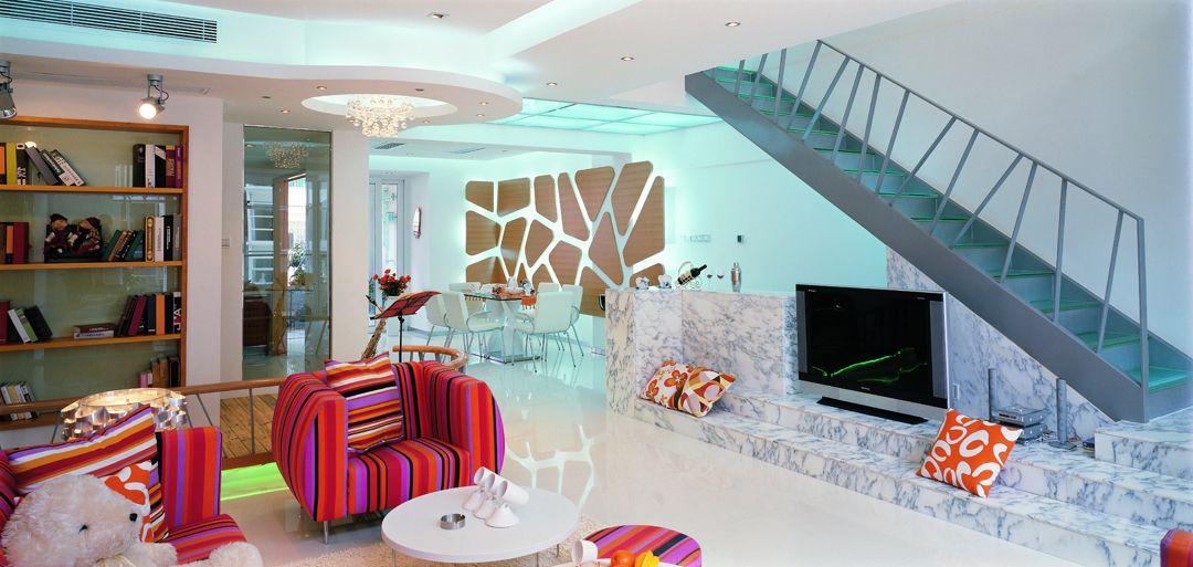 五彩缤纷之糖果色复式公寓装修效果图