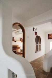 这款农村花园小洋房的设计采用的是英式风格的设图片