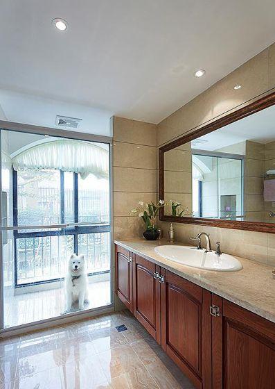 阳台隔断的洗手间装修效果图