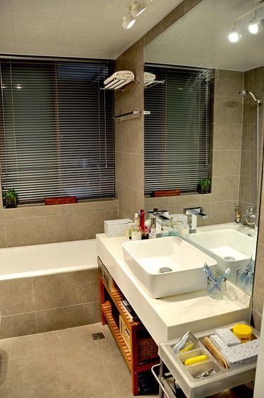 家装浴室浴缸装修效果图