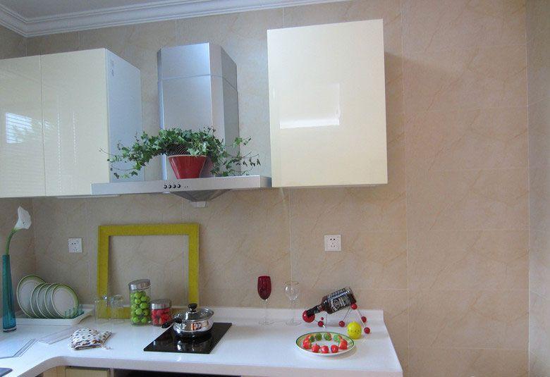 小空间的开放式厨房装修效果图