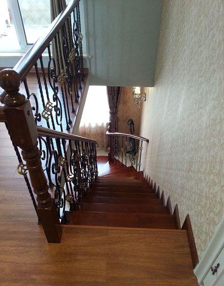 复式简欧楼梯装修效果图