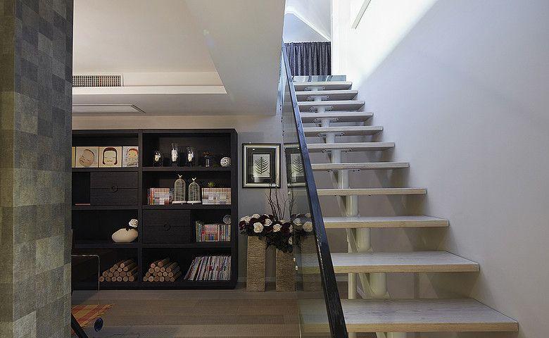 楼梯下的书房装修效果图