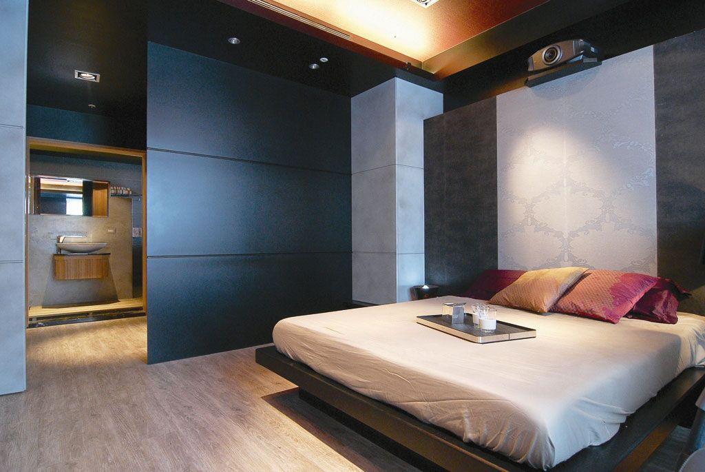卧室空间区分装修效果图