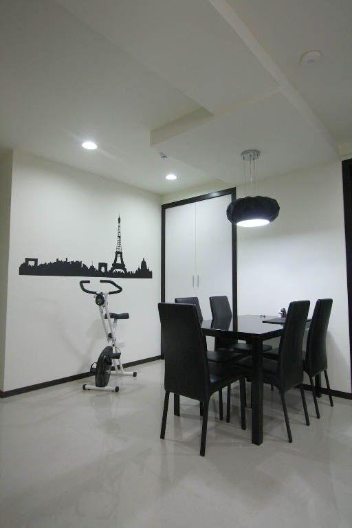 黑色餐厅墙贴装修效果图