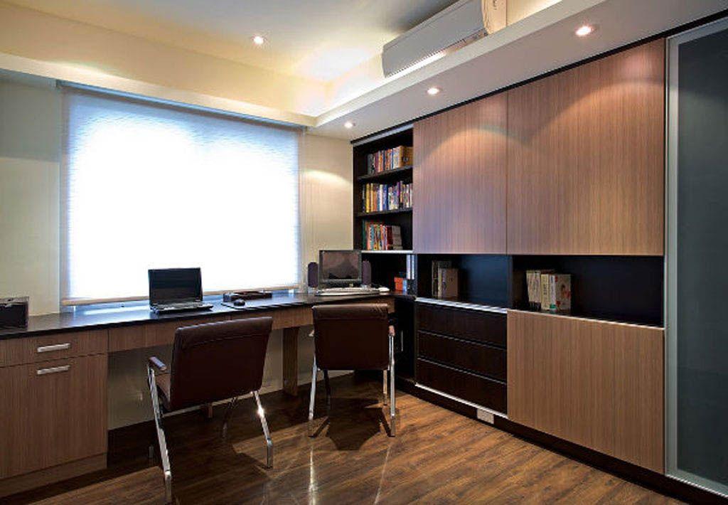 咖啡色木质书房装修效果图