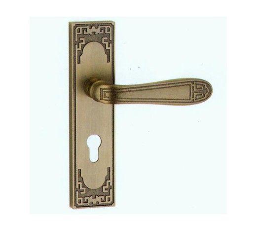 古朴门把锁