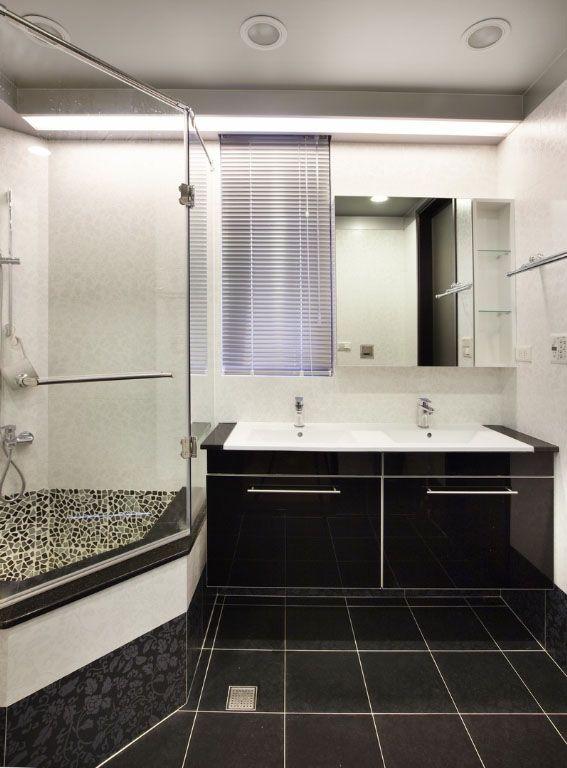 黑与白的卫浴空间装修效果图