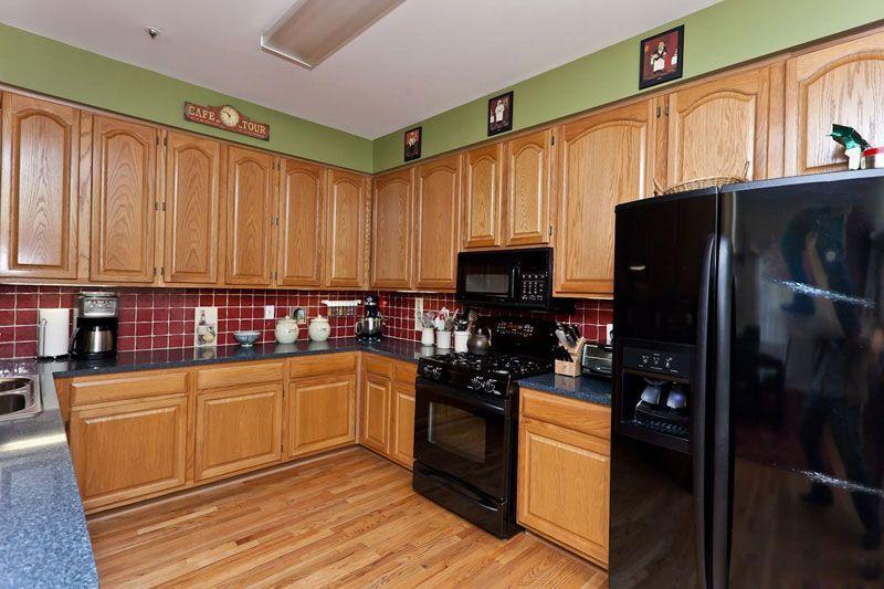 实木厨房橱柜装修效果图