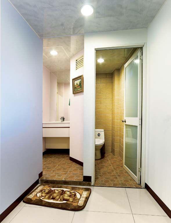卫浴空间分隔装修效果图