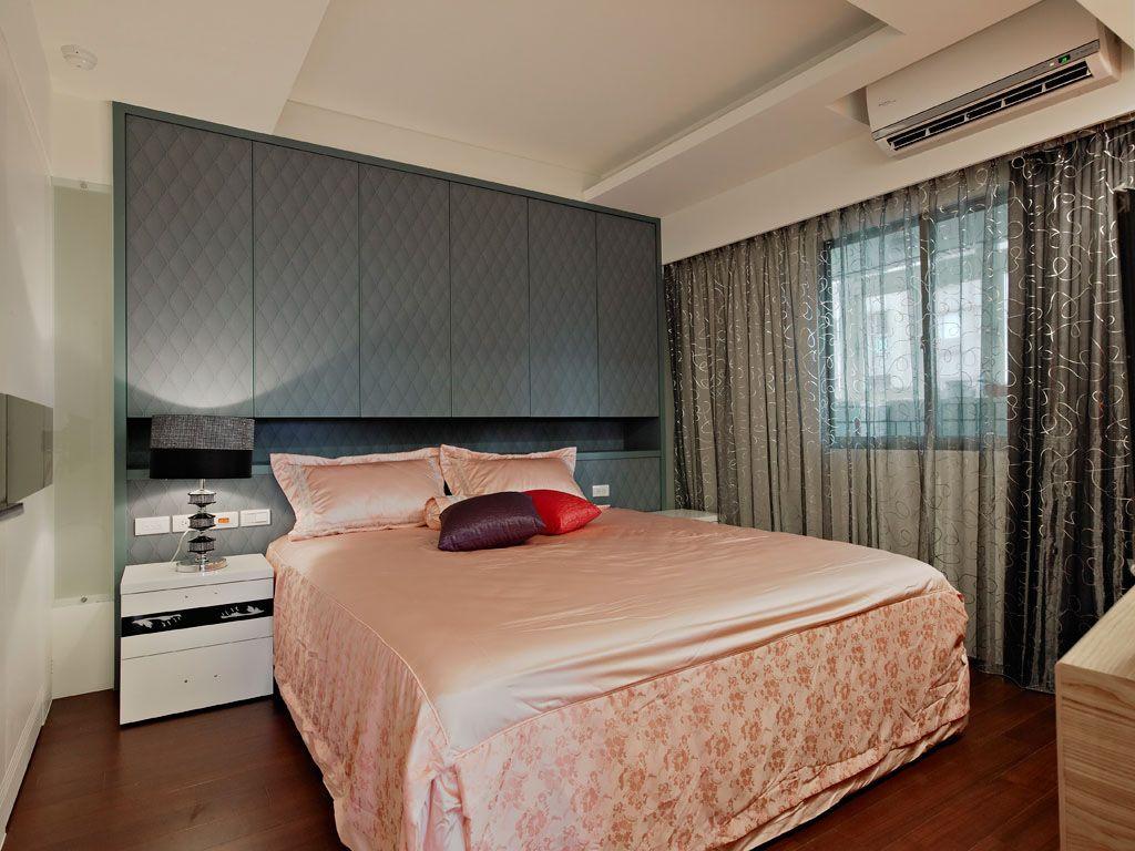 卧室背景收纳墙装修效果图