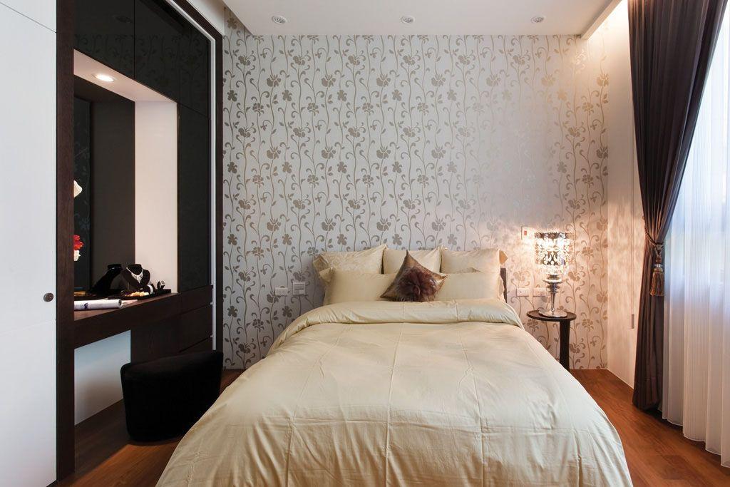 卧室花卉墙纸装修效果图