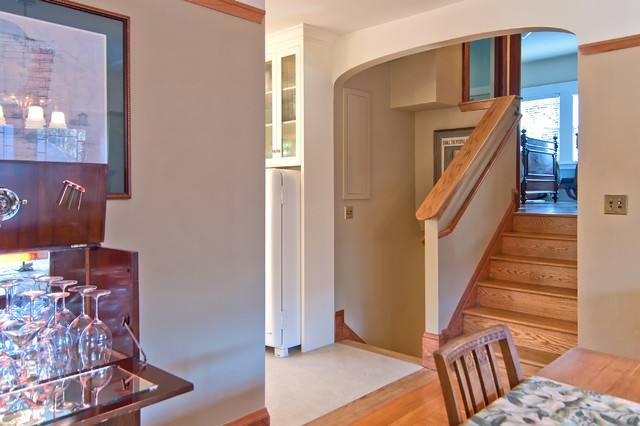 老年公寓楼梯一角装修效果图